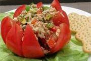 Punjeni paradajz sa tunjevinom
